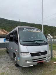 Micro Ônibus W8 2004, 28 lugares