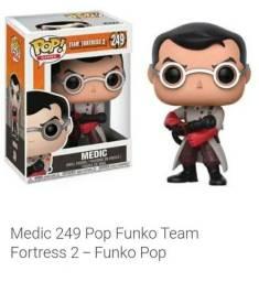 Boneco Funko Team Medic