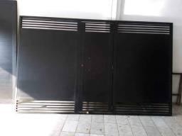 Vendo portão de alumínio completo