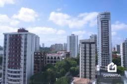 Apartamento no Ed. Victor III, Umarizal, com 2 vagas de garagem