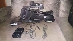 Filmadora semiprofissional AG DVC-20 marca Panasonic