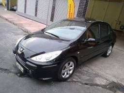 Peugeot / 307 Sedan Presence 1.6 Flex C / Teto Solar