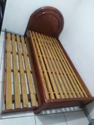 Vendo Cama de Solteiro com Cama Auxiliar de Madeira (usada)