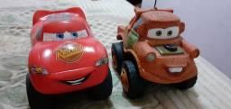 Carros  Mat e McQueem.