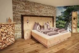 Cabeceiras e toda estrutura da cama