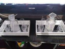 Cristaleira, suporte e vaso