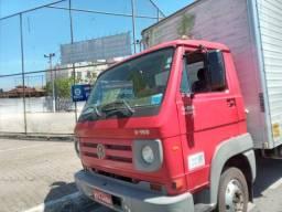 Caminhão VW 8-150 2011