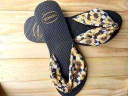 Sandália Com Estampa de Girassol