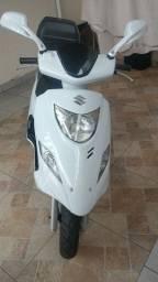 Moto Suzuki Burgman