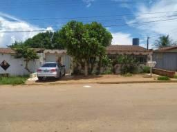 Oportunidade! casa em avenida comercial em Santo Antonio Descoberto, R$ 130 mil