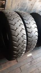 Par de pneus 215/75 17.5 em bom estado