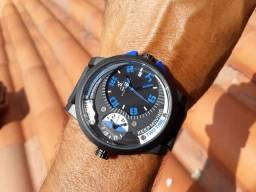 Relógio importado semi novo grande