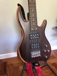 Baixo, amplificador (cubo), case mochila baixo, tripé baixo, violão acústico.