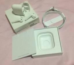 Fone de ouvido sem fio Apple AirPods with charging case branco
