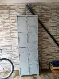 Armário Roupeiro 8 portas
