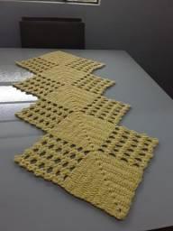 Trilho/caminho de mesa crochê