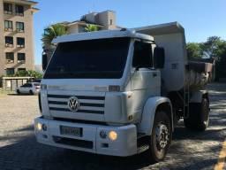 Caminhão basculante - 2009