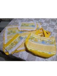 Vendo bolsa de tecido com trocador, travesseiro e pano de boca