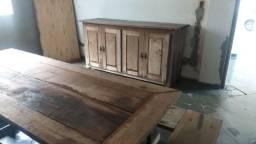 Conjunto mesa, bancos e balcão em madeira maciça rustica