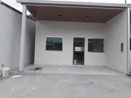 Alugo casa no Parque dez com 2qts Quintal + 2vagas de garagem