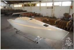 Casco Veleiro Spring 38 em montagem - 2019
