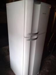 Geladeira Electrolux Frost Free DF 38