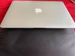 """Macbook Air 13"""", modelo A1369 (mid 2011), com a placa controladora queimada"""