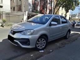 Vendo Toyota Etios 1.3