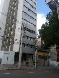 Apartamento com 02 dormitórios e vaga coberta no Centro de Curitiba - R$ 249.000,00