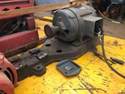 Motor trifásico 40 CV búfalo
