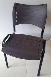 Cadeiras para escritório na cor marrom