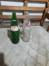 Garrafas de refrigerante litro da Antártica