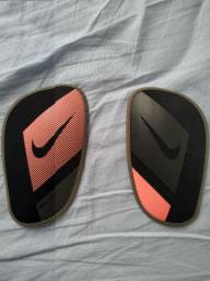 Caneleira Nike Mercurial original