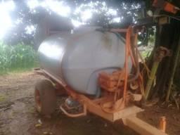 Vende-se pulverizador Jacto 2000 litros