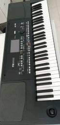 Korg PA300 teclado arranjador , com ritmos atuais e vinhetas