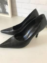 Scarpin Sapato preto couro