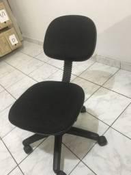 Cadeiras para escritório - precisam de reforma - preço de cada uma