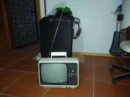 Tv antiga da marca Philips