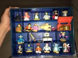 Club Penguin 20 Bonecos E Acessórios + Livro