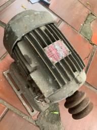 Motor trif 4cv rpm 1740