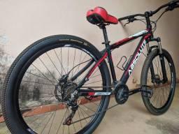 Vendo bicicleta abesolute aro 29 toda Shimano freio idraculo tem nota 2.300