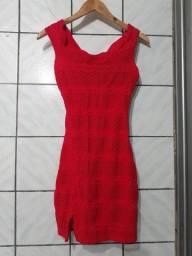 Lindo vestido vermelho.
