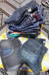 Monto lote de 100 peças de roupas  pra brechó infatil de 1 ano ate 15 anos