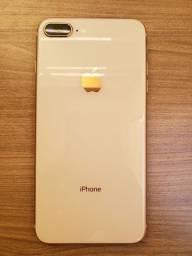 iPhone 8 PLUS 64gb!<br>Vitrine, igual a Novo!<br>Saúde da Bateria: 100%