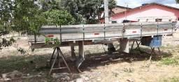 Vende-se carroceria de madeira com 5MT
