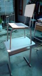 mesa e cadeira escolar