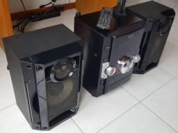 Mini System Panasonic SC-AKX10LB-K c/ Entrada USB - 250 W RMS