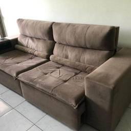 Sofá retrátil e reclinável de excelente qualidade. R$ 950,00
