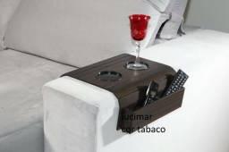 Bandeja para sofá com porta controle