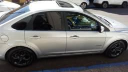 Focus sedan Titanium 2.0 automático - 2012
